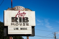 Ribs and Music by Jann Alexander © 2013
